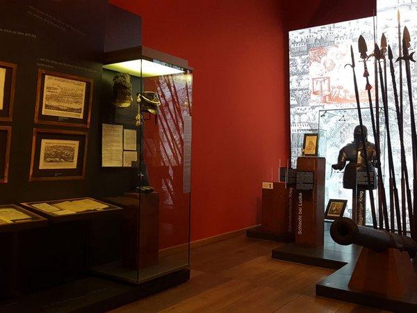 Ausstellungsteil Krieg und Frieden im Alten Rathaus, Foto: SGM