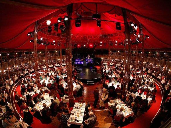 Dinnershow im Historischen Spiegelpalast, Foto: Stefan Hoyer