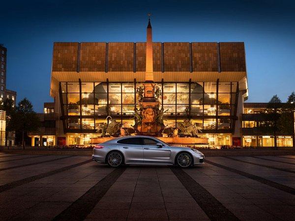 Porsche überträgt den Auftritt des Leipziger Gewandhausorchesters live über Panamera-Fahrzeuge, Foto: Porsche AG