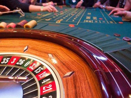Auch Christian Kaisan hat beim Spielen nicht immer gewonnen. Doch er bleibt ruhig, behält seine Finanzen stets im Auge. Foto: pixabay.com / stux