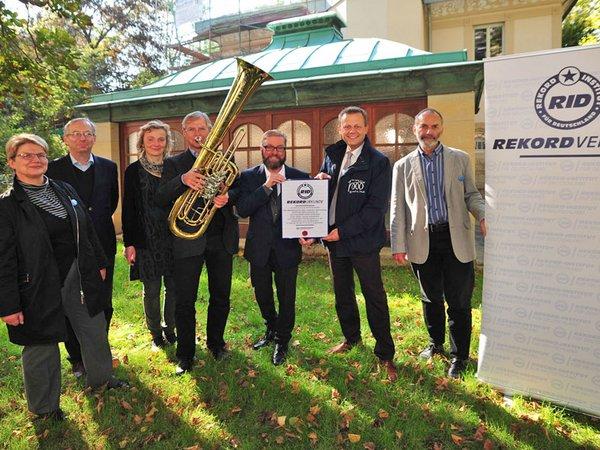 Dr. Elke Leinhoß (Projektleiterin Notenspur-Nacht), Dr. Andreas Pöge und Dr. Kathrin Pöge-Alder (Gastgeber), Bernd Angerhöfer, Rolf Allerdissen (Rekordrichter RID), Torsten Bonew (Leipzig 2015-Beauftragter), Werner Schneider (Notenspur-Initiator)
