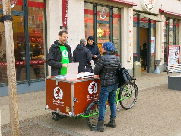 ÖKOLÖWEN mit Informationsständen in Leipzig, Foto: Ökolöwe