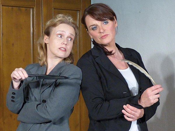 Schauspielerinnen Heike Meyer und Sybille Tancke