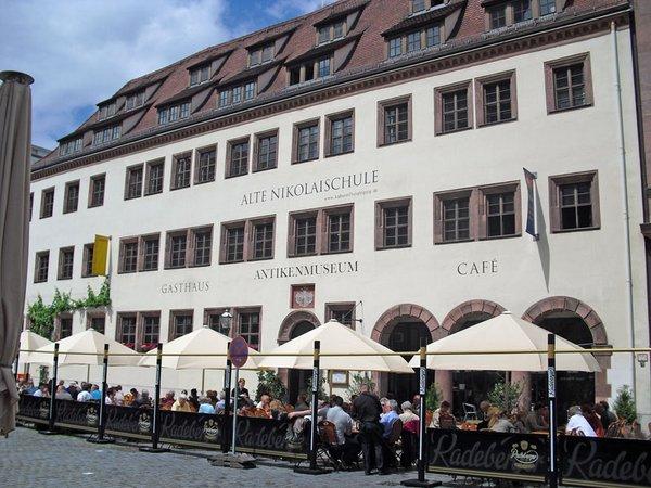 Alte Nikolaischule am Nikolaikirchhof 2