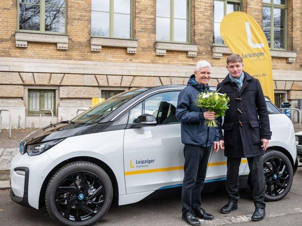 Gewinner Frank Illing aus Leipzig und Dr. Johannes Kleinsorg, Sprecher der Geschäftsführung der Leipziger Stadtwerke, Foto: Leipziger Gruppe