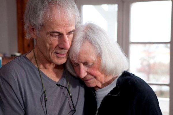 """Malte Sieveking und seine an Alzheimer erkrankte Frau Margarete """"Gretel"""" Sieveking, Bad Homburg (Hessen), Deutschland 2011"""