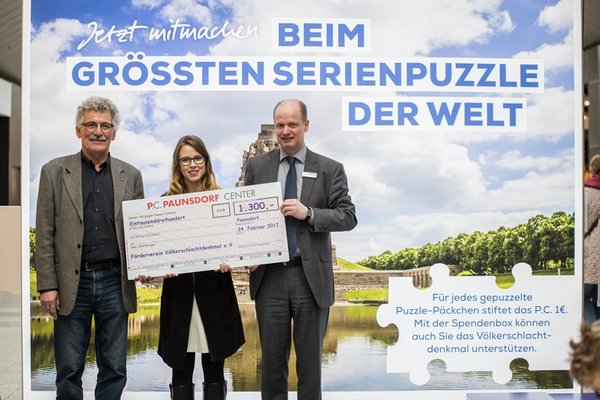 Spendenscheck-Übergabe im Paunsdorf Center