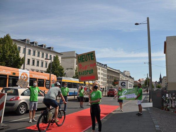 Pop Up Bikelane, Foto: Ökolöwe - Umweltbund Leipzig e.V.
