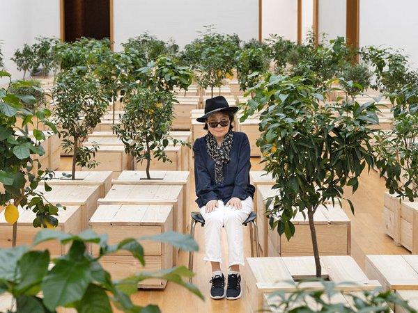 Portrait Yoko Ono in der Ausstellung PEACE is POWER, 2019, Copyright: Yoko Ono, Foto: Adrian Sauer