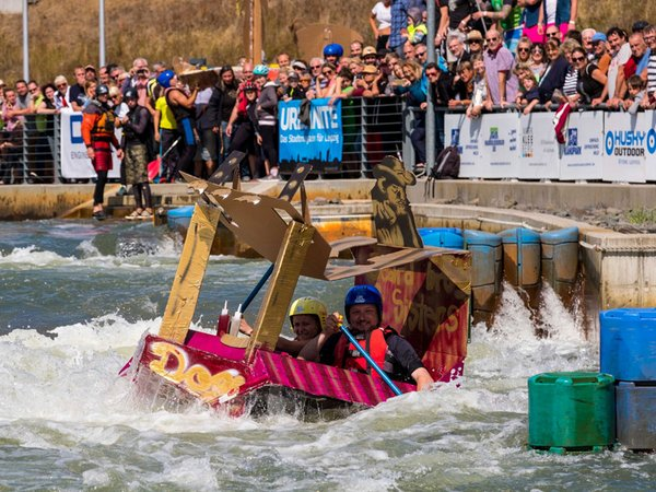 Pappbootrennen, Foto: Kanupark