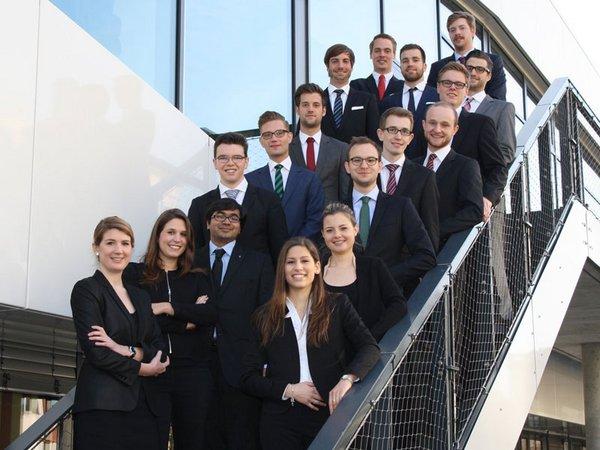 Gruppenfotos des Organisationsteams