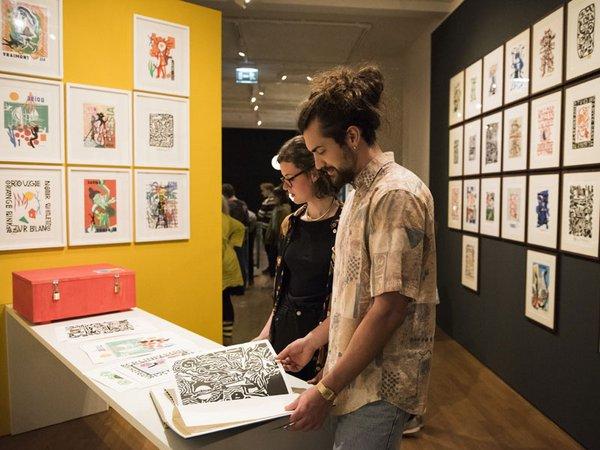 Besucher in der Ausstellung Bauhaus_Sachsen, Foto: Karola Bauer