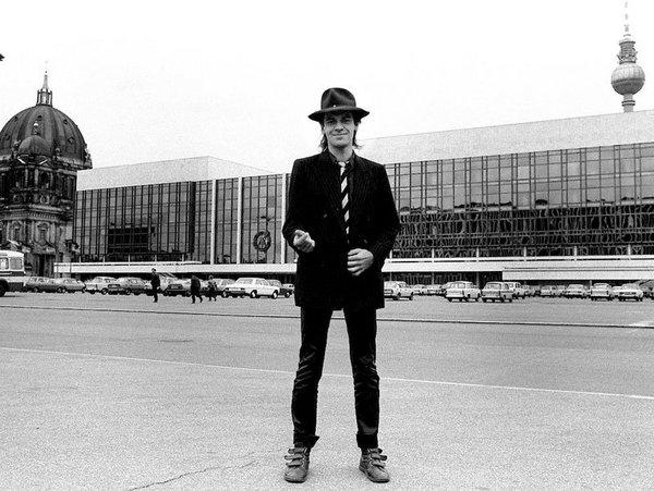 Kristina Eriksson, Udo Lindenberg vor dem Palast der Republik, 1983, Udo Lindenberg Archiv