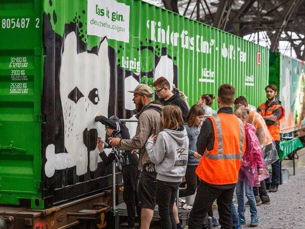 Noah's Train, das längste mobile Kunstwerk der Welt, machte Halt am Leipziger Hauptbahnhof, Foto: Deutsche Bahn AG