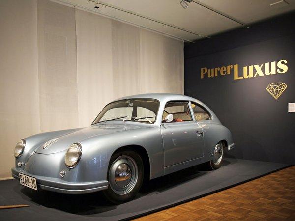 In Handarbeit nachgebauter Porsche 356 im Zeitgeschichtlichen Forum Leipzig, Foto: Isabell Gradinger