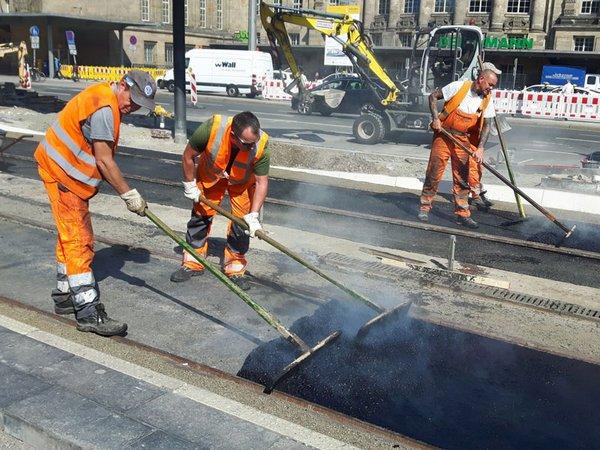 Die Arbeiten am Hauptbahnhof kommen planmäßig voran: Auf Gleis 1 und 2 sind die Gleise verlegt und der Deckenschluss wird hergestellt, Foto: Leipziger Gruppe