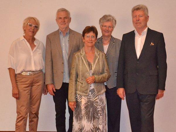 Die Mitglieder des Aufsichtsrates: Martina Wilde, Dietmar Kupfer, Angelika Haase (Schriftführerin), Prof. Dr. Ulrike Gröckel (stellv. Vorsitzende), Dr. Alexander Voß (Vorsitzender), Foto: Wohnungsgenossenschaft Lipsia eG