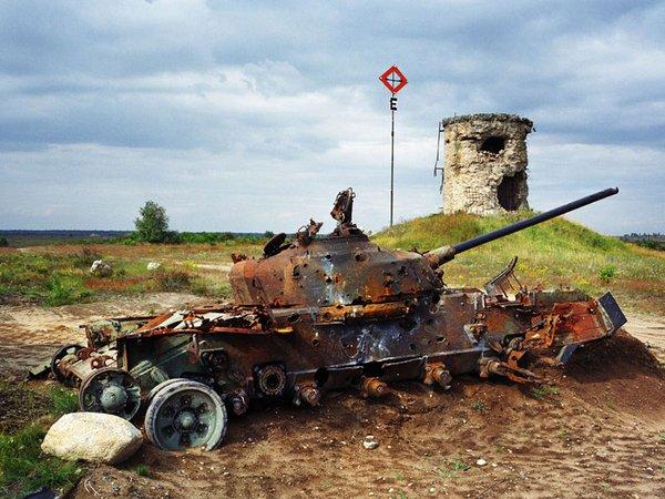 Deutschland, Altengrabow. Panzer auf einem ehemaligen Sowjetischen Truppenübungsplatz in Sachsen-Anhalt 2004, Foto: Martin Roemers