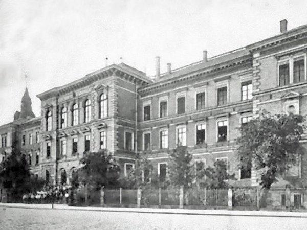 Das König-Albert-Gymnasium 1912