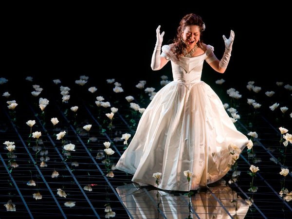 La Traviata, Foto: Tom Schulze