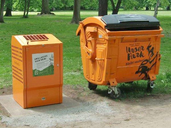 Grillaschebhälter im Park, Foto: Stadtreinigung Leipzig