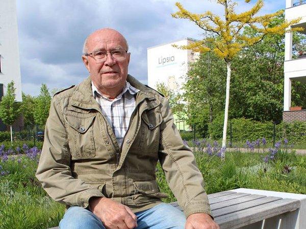 Lipsia-Mitglied Werner Wittig (75) schätzt die weitläufigen Grünflächen in seinem Wohnumfeld in Leipzig-Grünau., Foto: W&R IMMOCOM