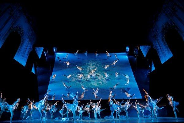 Szene aus Schwanensee von dem Leipziger Ballett