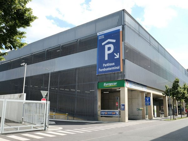 Das Fernbus-Terminal Hauptbahnhof Leipzig, Foto: S&G Development / Schubert
