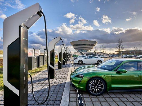 "Ladepark ""Porsche Turbo Charging"" in Leipzig, Foto: Porsche AG"
