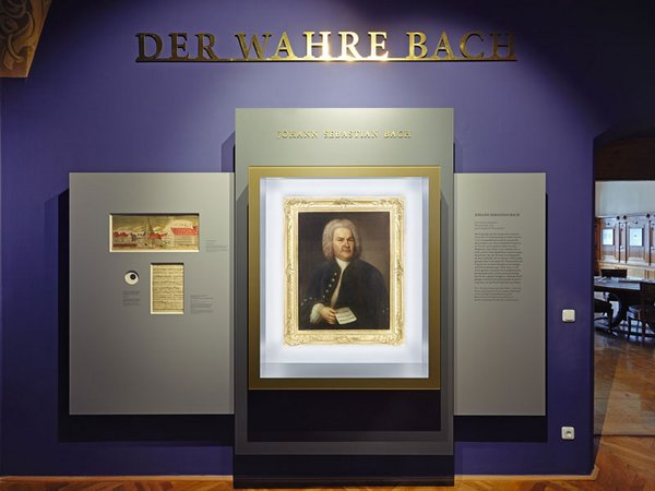 Bachporträt im neu gestalteten Kabinett, Foto: Punctum / Alexander Schmidt
